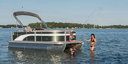 Choosing a Pontoon Boat Deck Size to Fit Your Needs