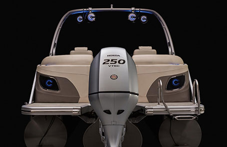 Choosing the Right Outboard for Your Pontoon Boat