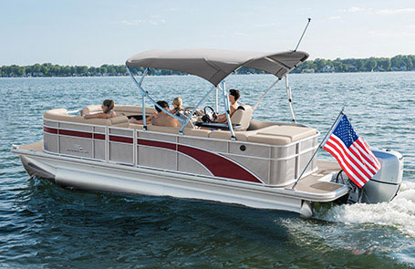 Choosing the Right Outboard for Your Pontoon Boat | Bennington Marine