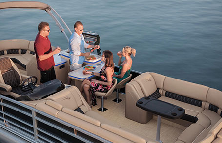 Meet the 2019 Bennington R Series Pontoon Boats