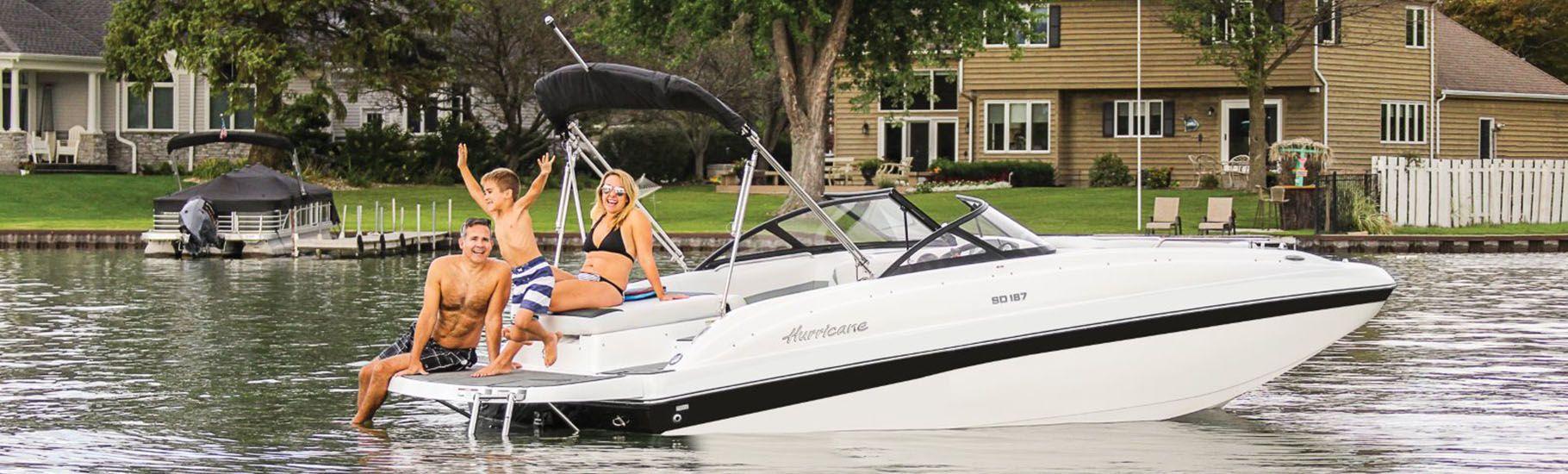 Hurricane SunDeck IO deck boat