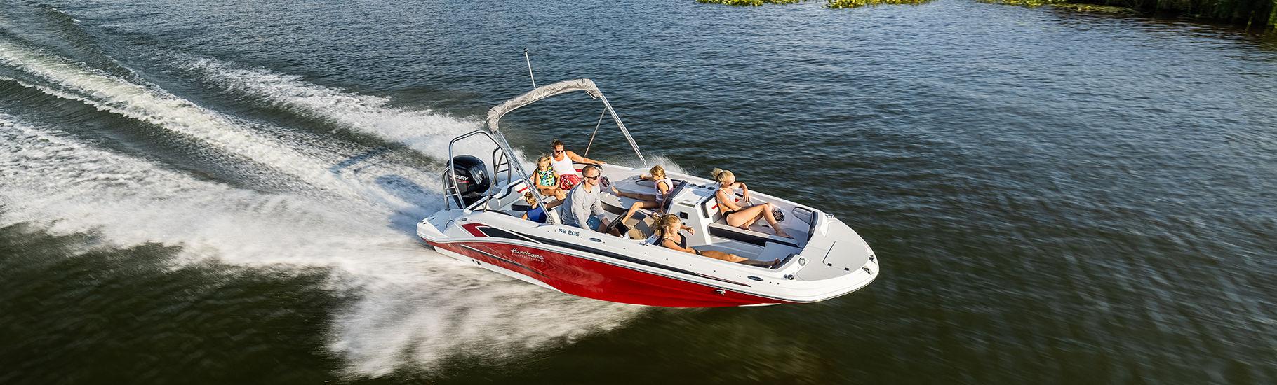 Hurricane SunDeck Sport OB deck boat