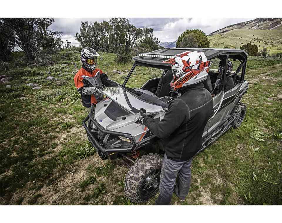 Lock & Ride® Full Flip Down Windshield Hard - Coat Poly