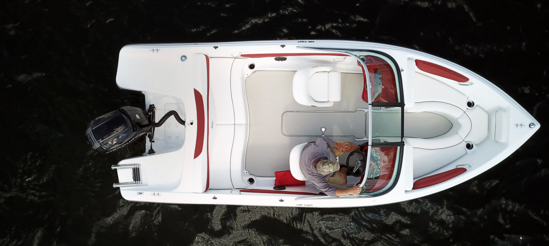 Pic overhead view of 18QX Outboard boat