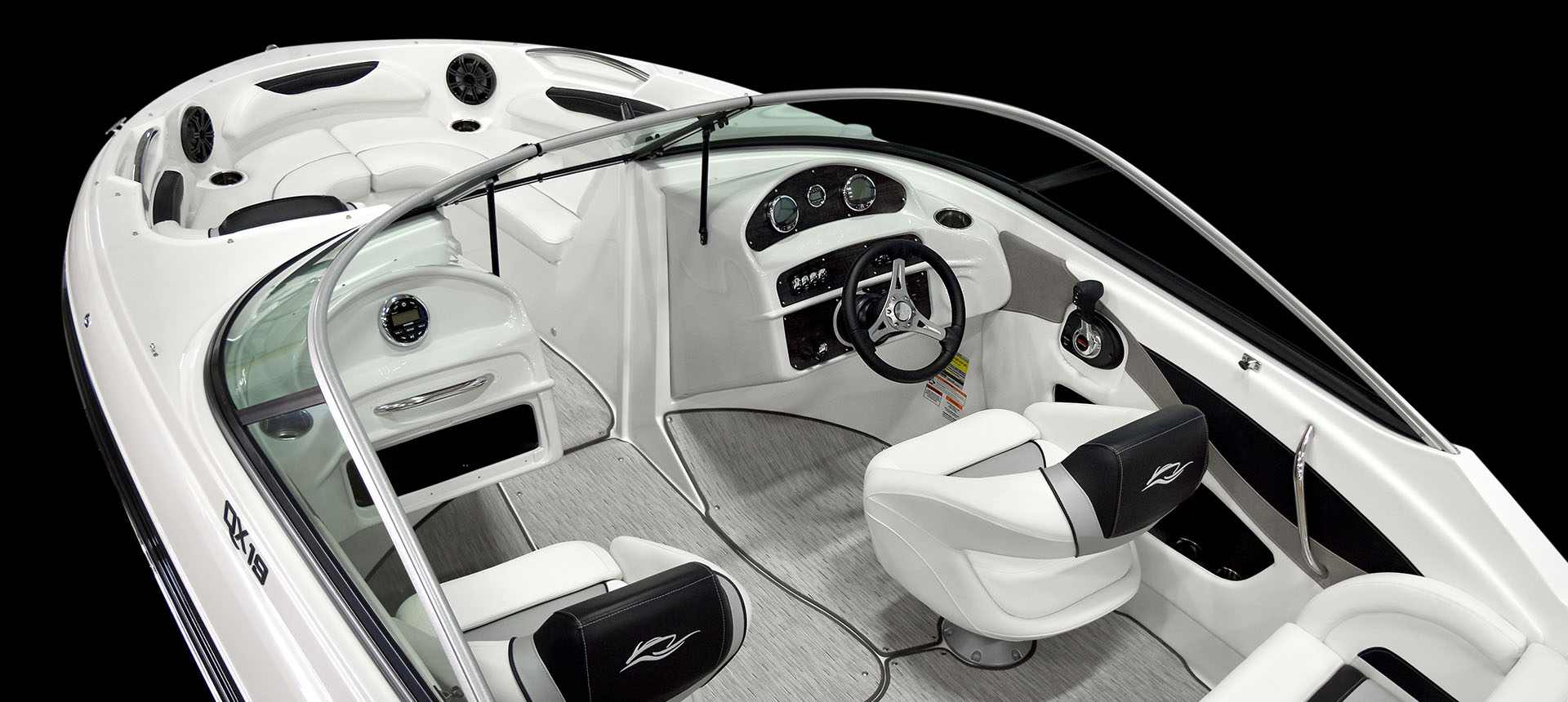 Pic of 19QX Outboard boat interior