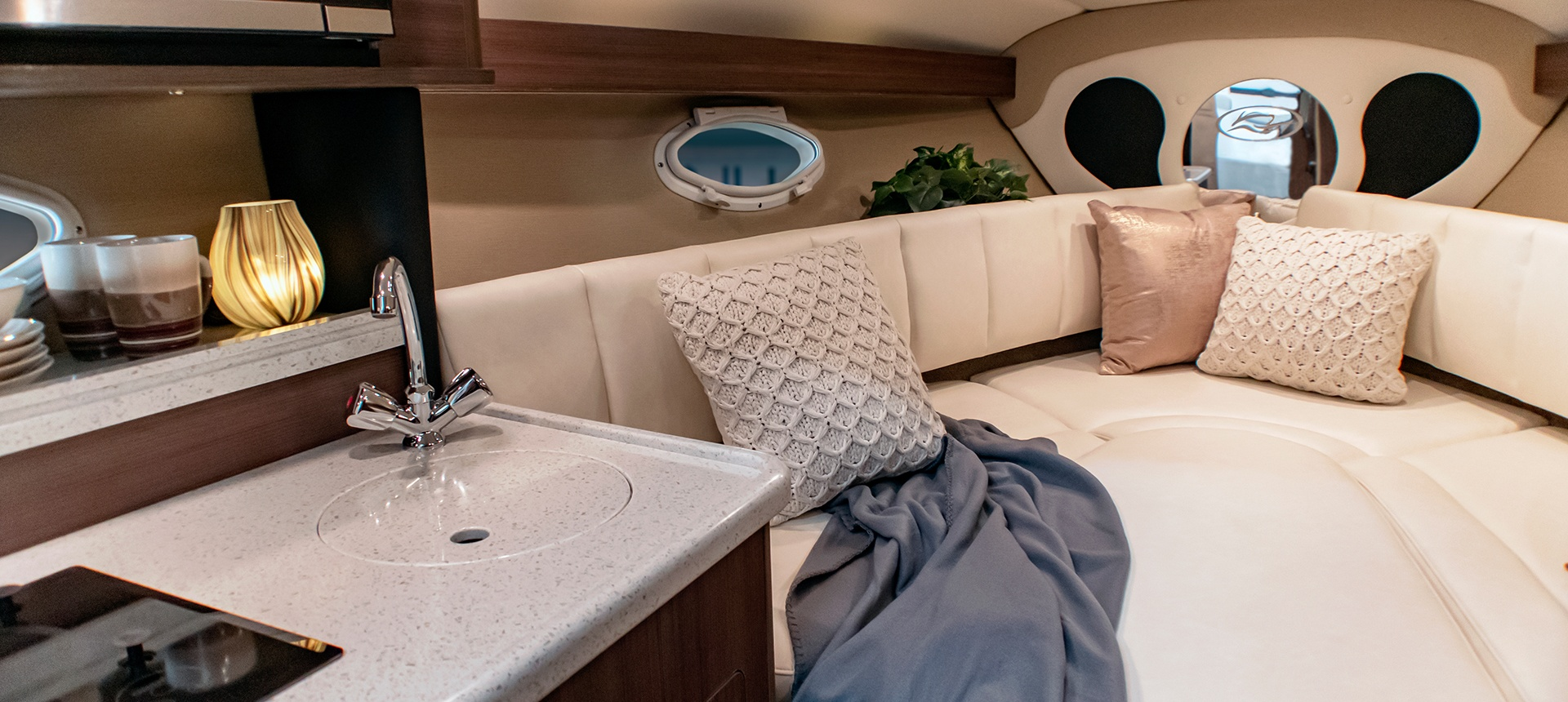 Pic of 270EX forward cabin