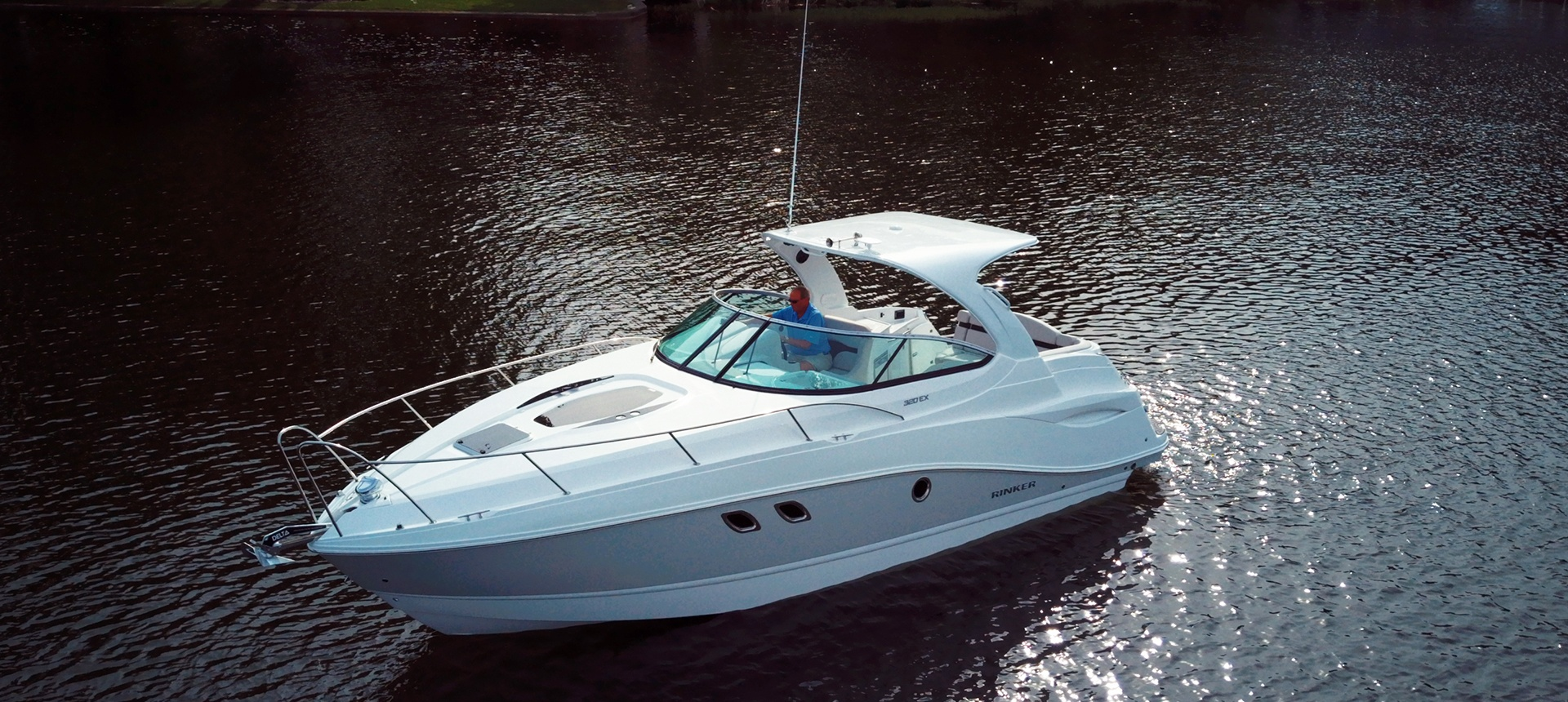 Pic of 320EX boat on the water