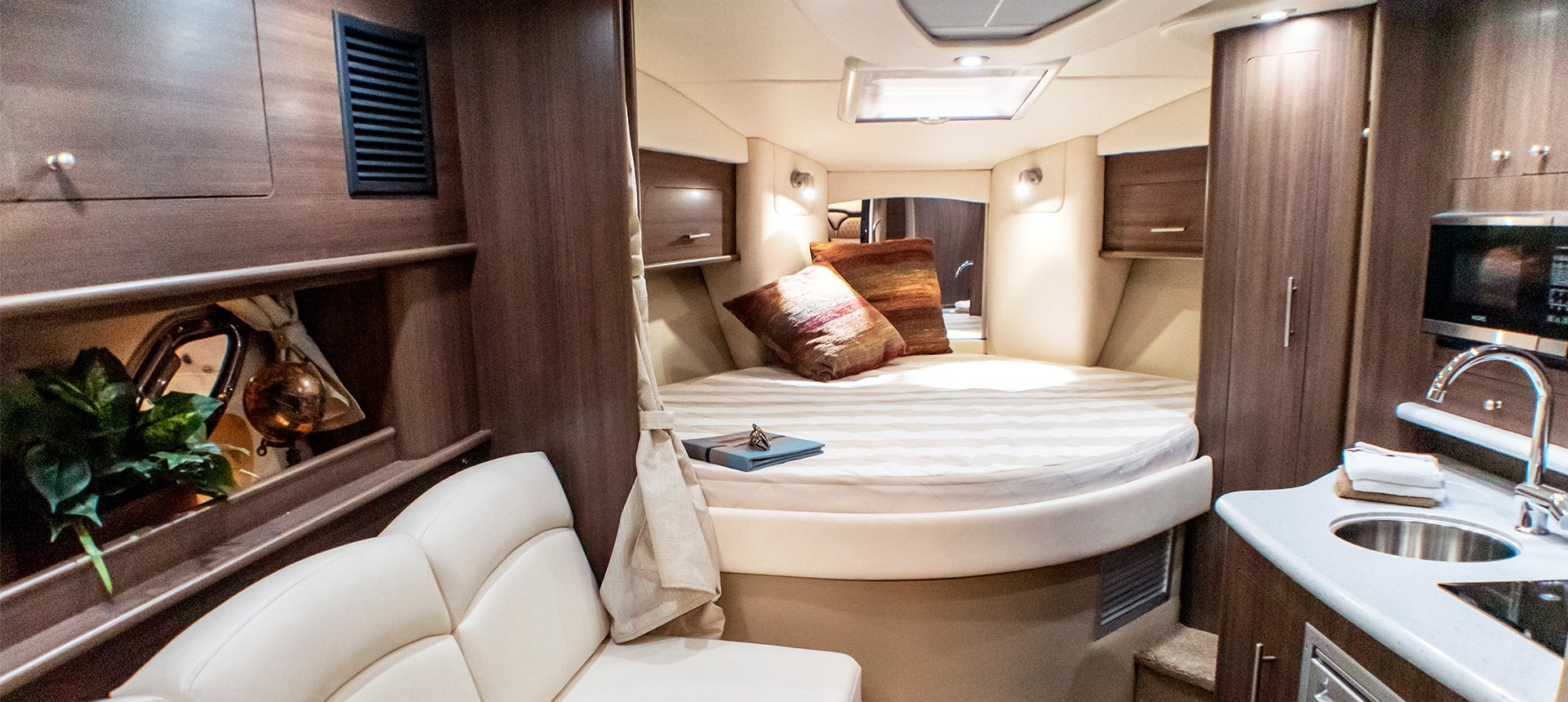 Pic of cabin on 320EX