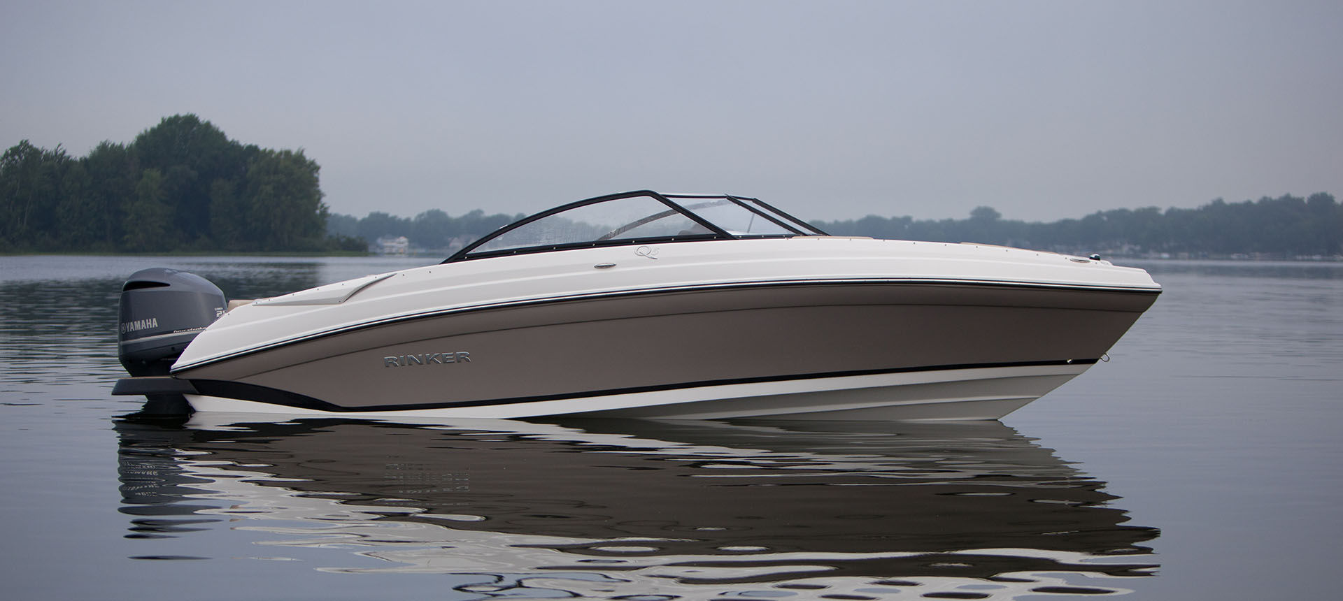 Pic of Q5 Outboard underwayoff